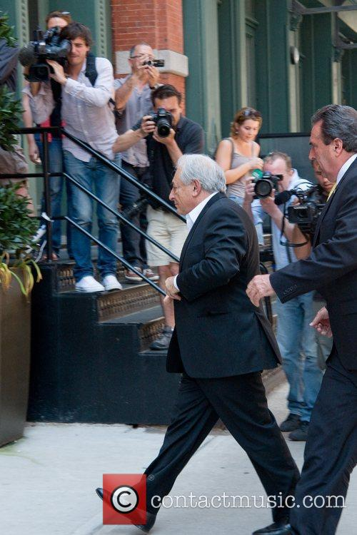 Arrives at his residence in Tribeca