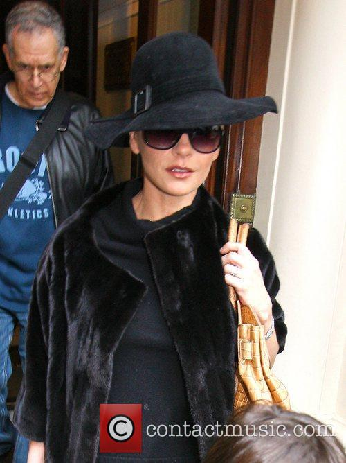 Catherine Zeta-Jones leaving her hotel London, England