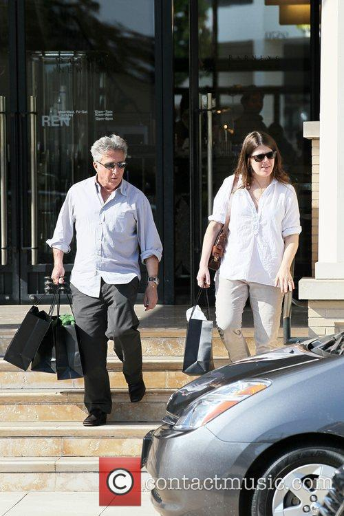 Dustin Hoffman and his wife, Lisa Gottsegen, shop...