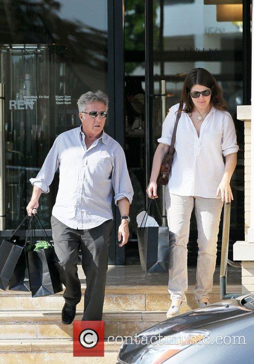 Dustin Hoffman and his wife, Lisa Gottsegen, shop...