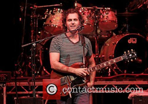 dweezil zappa performing on his zappa plays 3622963