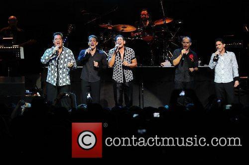 Ray Reyes, Rene Farrait, Johnny Lozada, Miguel Cancel...