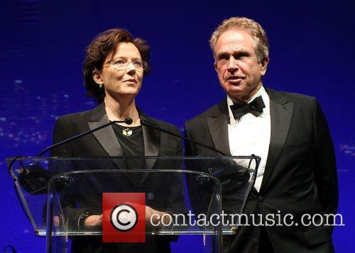Annette Bening and Warren Beatty 9