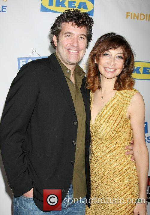 Craig Bierko and Illeana Douglas 'Easy To Assemble'...