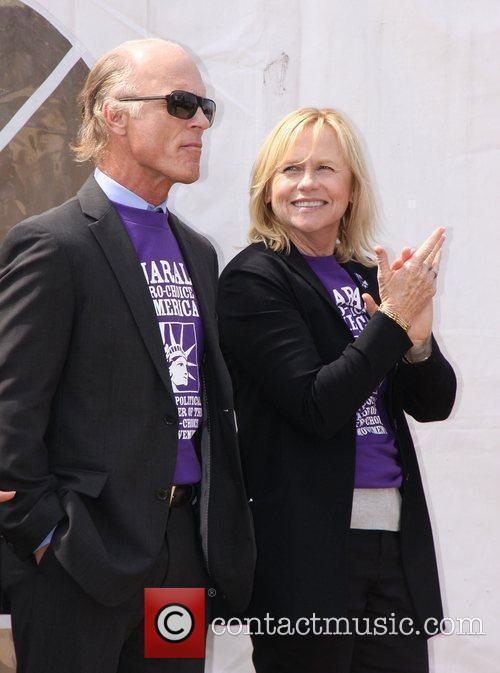 Ed Harris and Amy Madigan 10