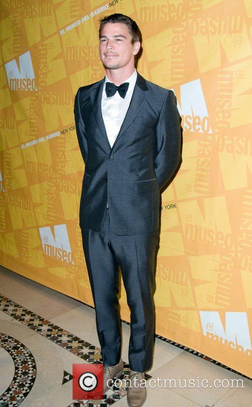 Josh Hartnett El Museo's 2011 Gala - Arrivals...