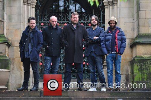 elbow outside manchester cathedral where they will 3579330