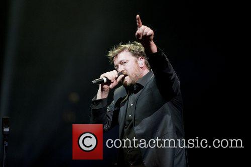 Guy Harvey of 'Elbow' performing live at O2...