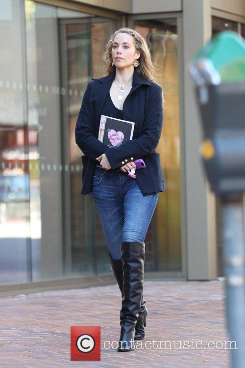 Elizabeth Berkley out shopping in Beverly Hills. Los...