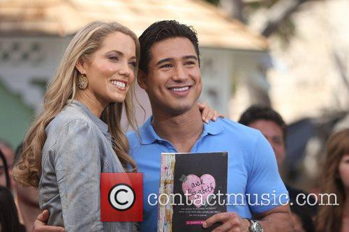 Elizabeth Berkley and Mario Lopez 15