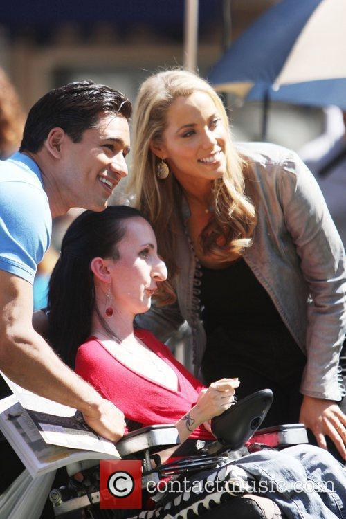Elizabeth Berkley and Mario Lopez 19