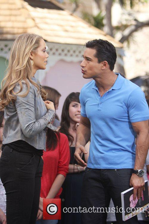 Elizabeth Berkley and Mario Lopez 1
