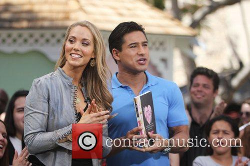 Elizabeth Berkley and Mario Lopez 13