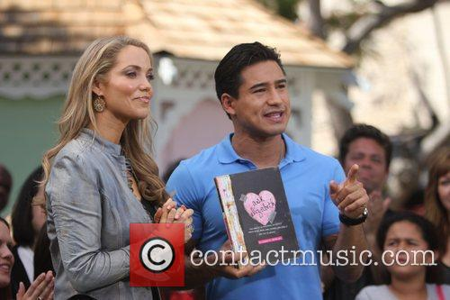 Elizabeth Berkley and Mario Lopez 8