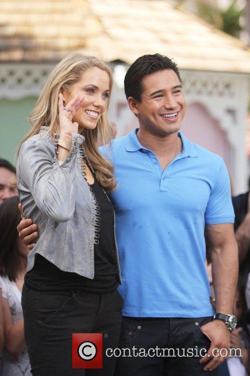 Elizabeth Berkley and Mario Lopez 9