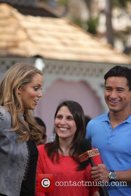 Elizabeth Berkley and Mario Lopez 23