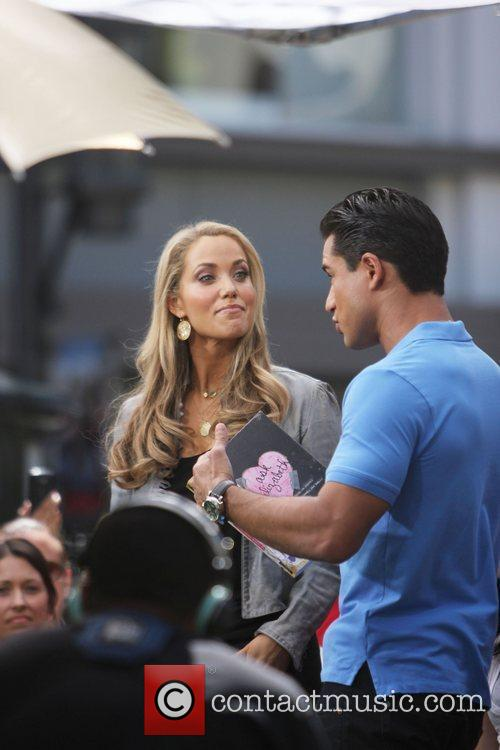 Elizabeth Berkley and Mario Lopez 5