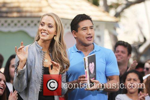 Elizabeth Berkley and Mario Lopez 17