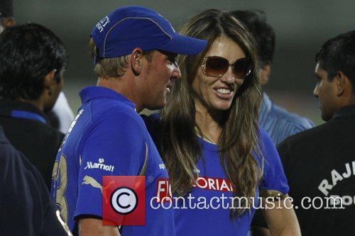 Elizabeth Hurley shares a moment with Rajasthan Royals...