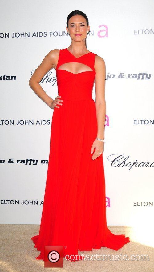 Odette Yustman, Elton John and Academy Awards 1