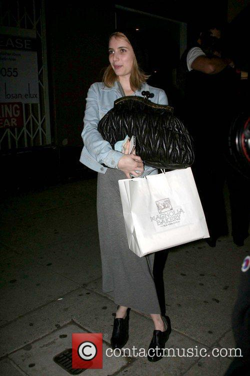 a make up free emma roberts leaving 3613186