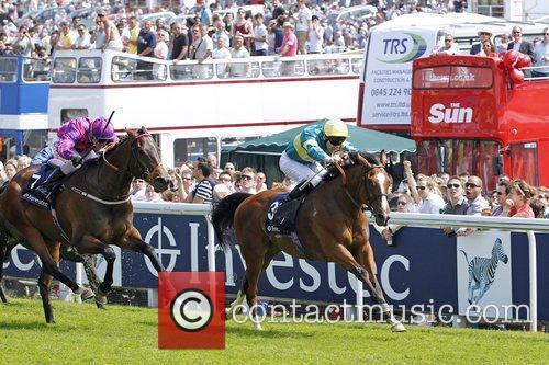 Fanunalter and Adam Kirby winning the third race...