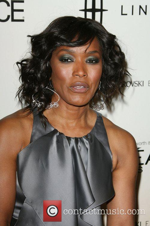 Angela Bassett - Picture Colection