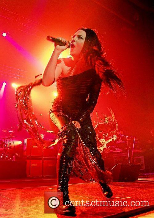 amy lee of evanescence performs live at 3597970
