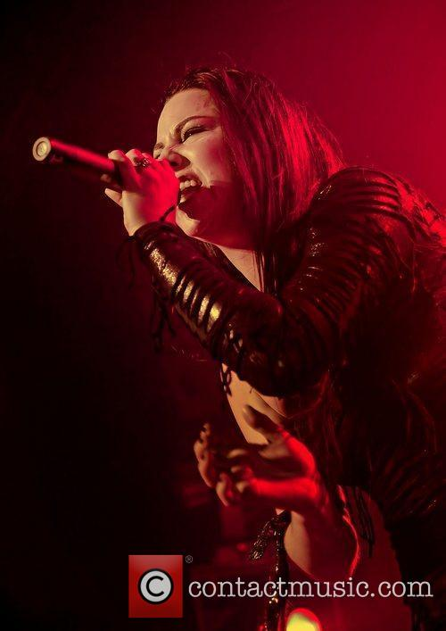 Amy Lee, Evanescence and Manchester Apollo 8