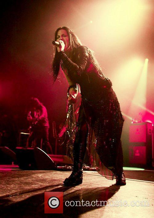 Amy Lee, Evanescence and Manchester Apollo 9