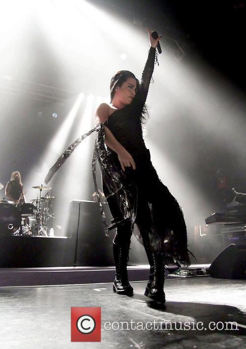 Amy Lee, Evanescence and Manchester Apollo 4
