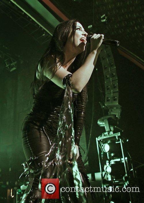 Amy Lee, Evanescence and Manchester Apollo 16