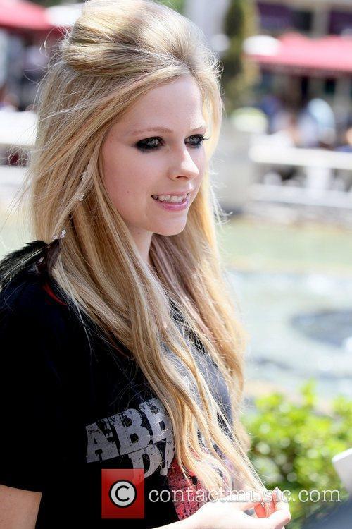 Avril Lavigne 8