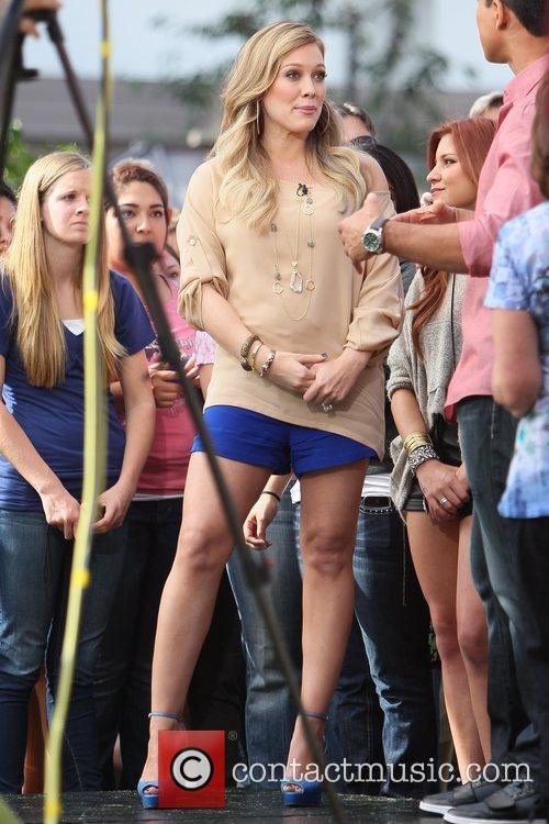 hilary duff pregnant star at the grove 5739545