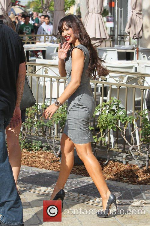 karina smirnoff pregnant star at the grove 5739519