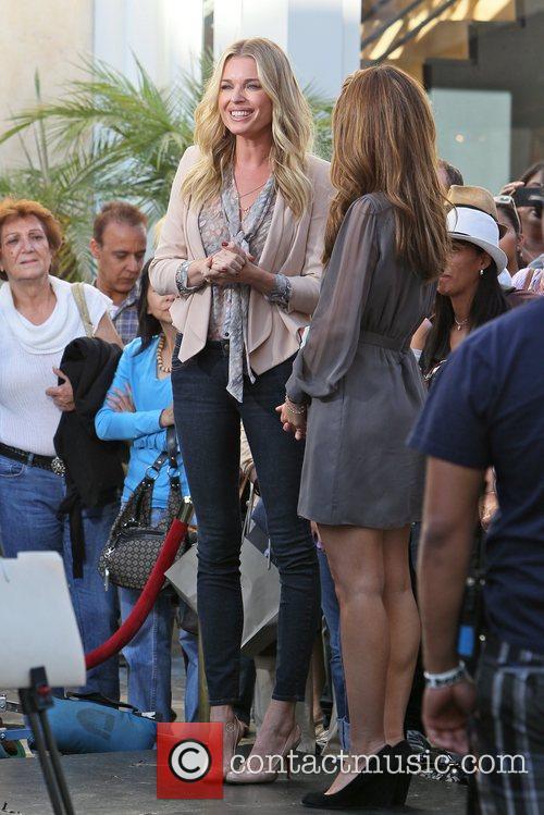 Rebecca Romijn and Maria Menounos 1