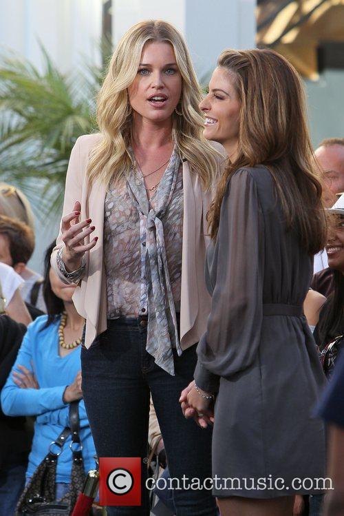 Rebecca Romijn and Maria Menounos 3