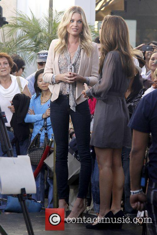 Rebecca Romijn and Maria Menounos 14