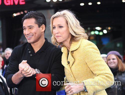 Mario Lopez, Lara Spencer and Times Square 4
