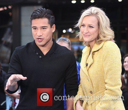 Mario Lopez, Lara Spencer and Times Square 7
