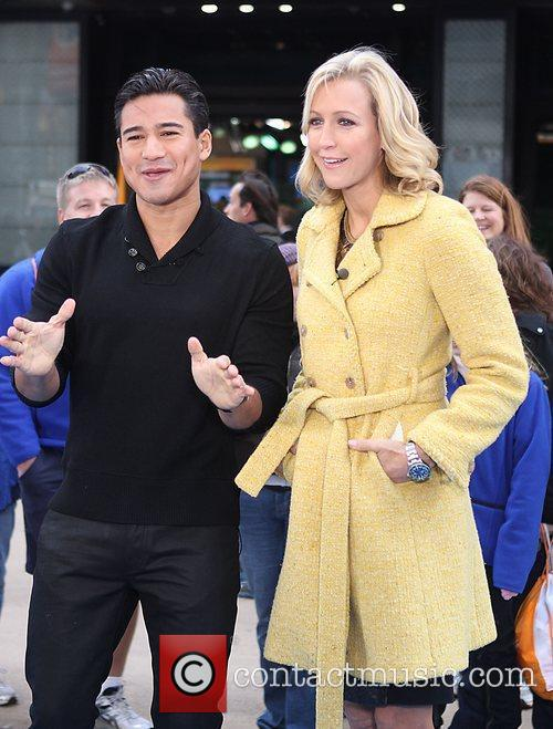 Mario Lopez, Lara Spencer and Times Square 5