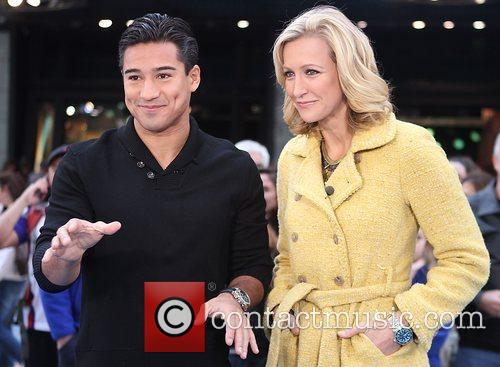 Mario Lopez, Lara Spencer and Times Square 2