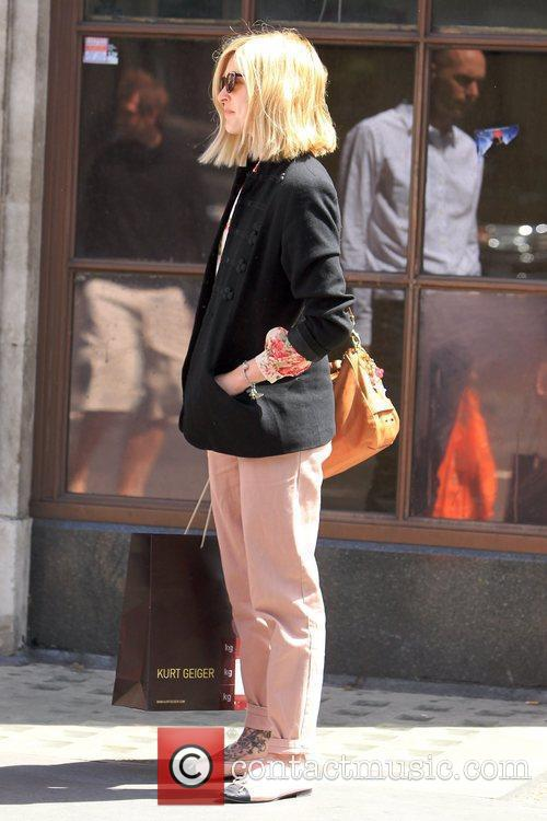 Fearne Cotton shows off her new shorter hair...