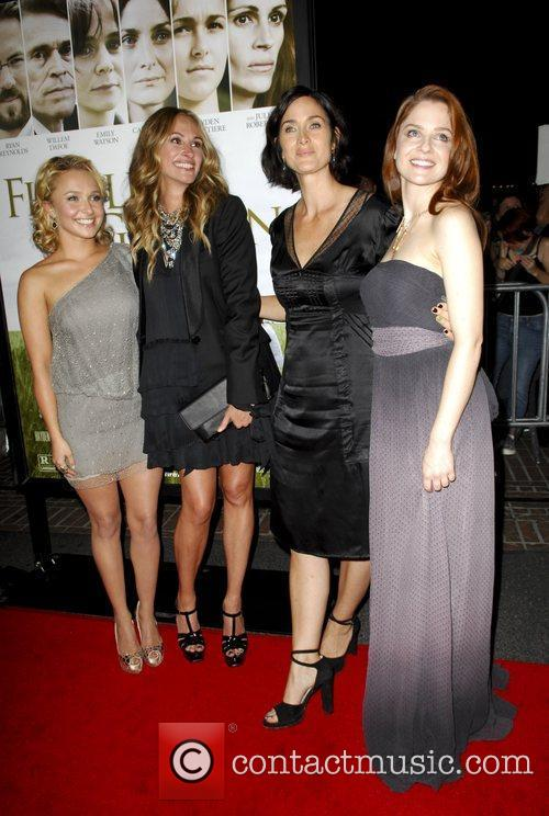 Hayden Panettiere, Carrie-Anne Moss, Julia Roberts and Shannon Lucio 1