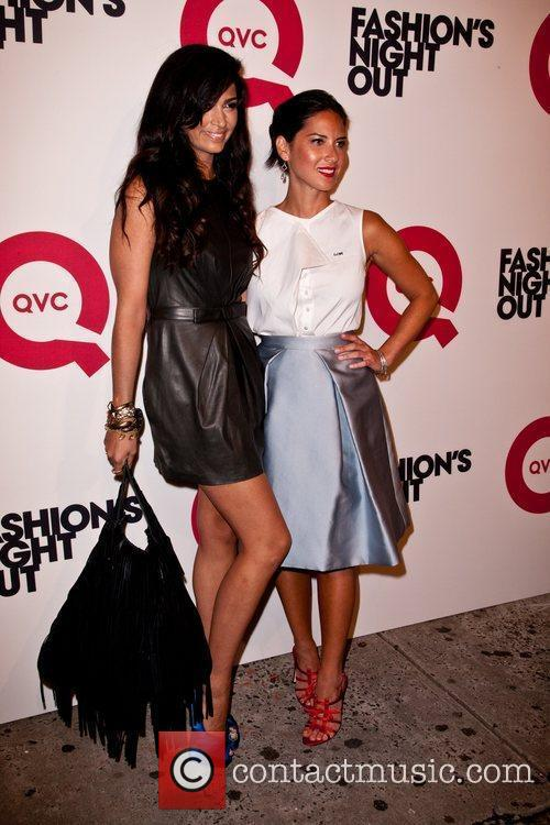 Camila Alves and Olivia Munn 3