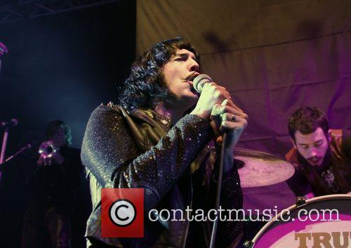 foxy shazam performing at liverpool university mountford hall 3601124