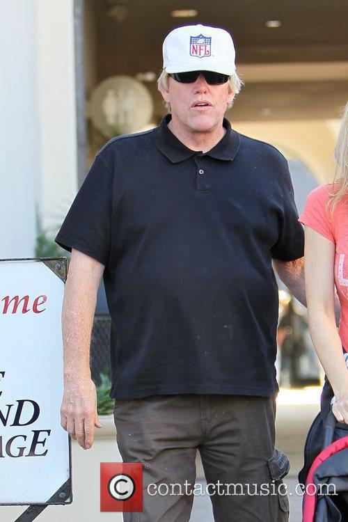 gary busey leaving caffe roma after having 5758960