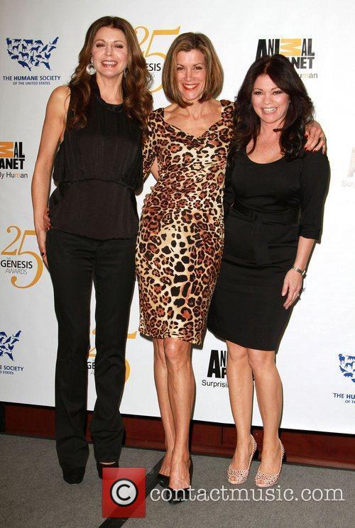 Jane Leeves, Valerie Bertinelli and Wendie Malick 1