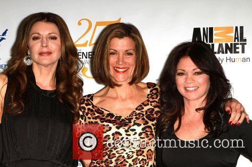 Jane Leeves, Valerie Bertinelli and Wendie Malick 3