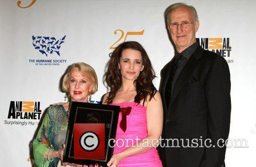 Tippi Hedren, James Cromwell and Kristin Davis 8